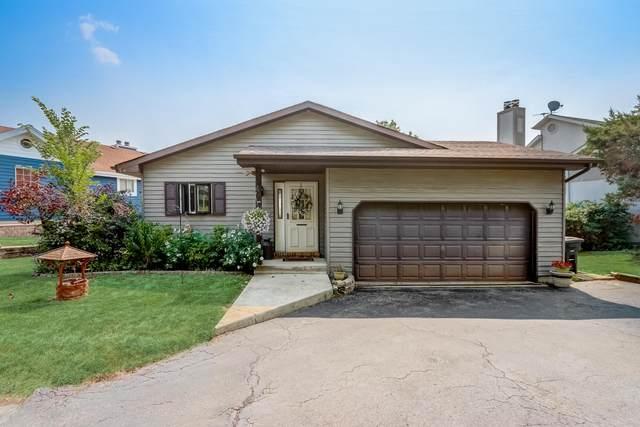 11711 223rd Ave, Salem Lakes, WI 53104 (#1756646) :: Tom Didier Real Estate Team
