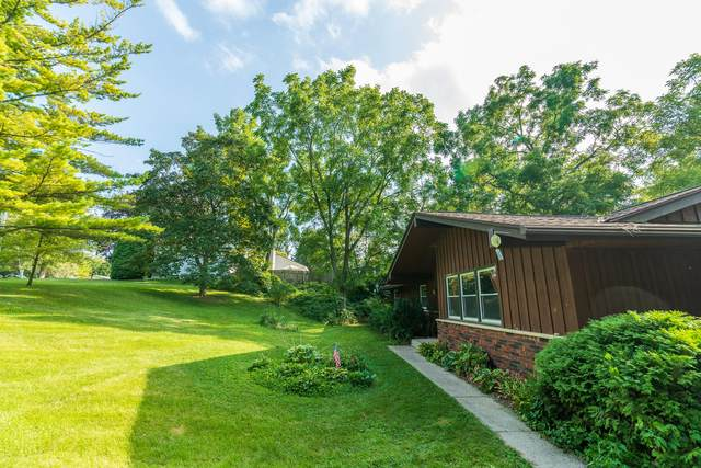 1603 S Elm Grove Rd, New Berlin, WI 53151 (#1758794) :: EXIT Realty XL