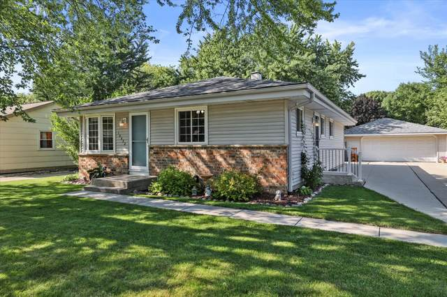 10432 W Villa Ave, Milwaukee, WI 53224 (#1759839) :: Tom Didier Real Estate Team