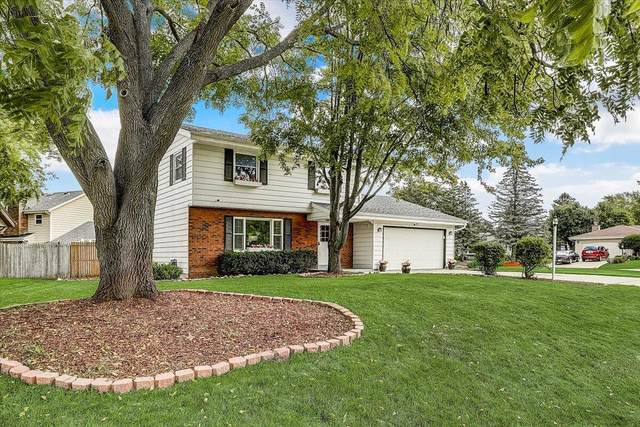 13975 W Crawford Dr, New Berlin, WI 53151 (#1759914) :: EXIT Realty XL