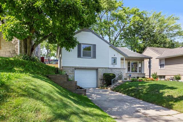 621 Pleasant View St, Wauwatosa, WI 53226 (#1760130) :: EXIT Realty XL