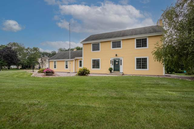 600 Rae Dr, Hartland, WI 53029 (#1760161) :: RE/MAX Service First