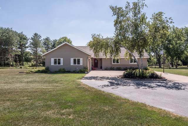 W323S3674 Depot Hill Rd, Genesee, WI 53189 (#1760828) :: RE/MAX Service First