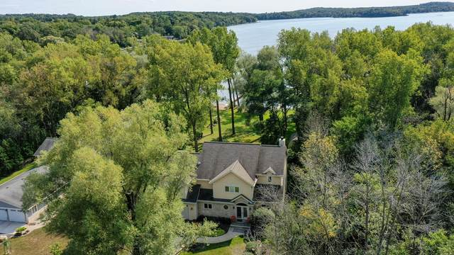 N77W31687 Northwoods Dr, Merton, WI 53029 (#1762854) :: EXIT Realty XL