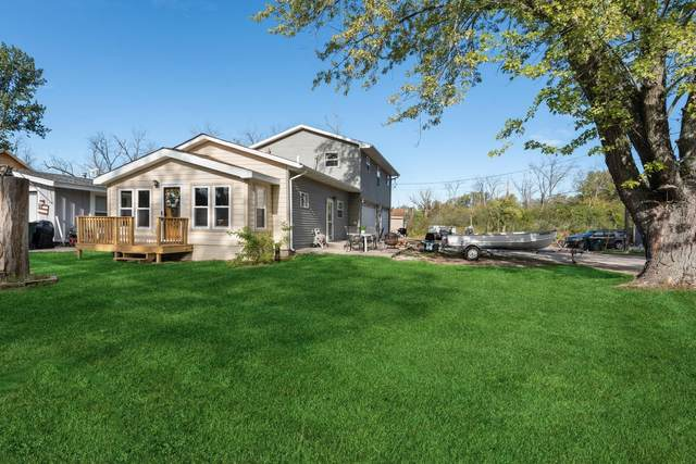 813 Rosebud Ave, Twin Lakes, WI 53181 (#1764912) :: RE/MAX Service First
