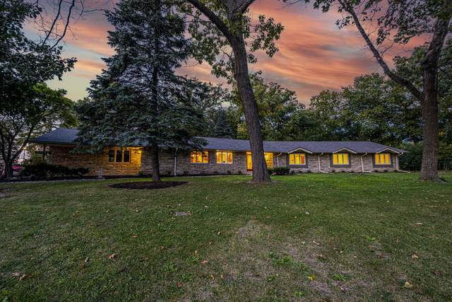 17150 Ruby Ln, Brookfield, WI 53005 (#1765826) :: EXIT Realty XL