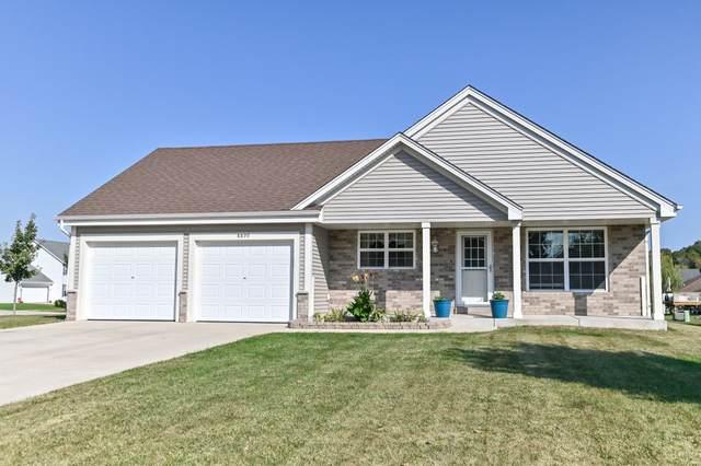 8890 S Carrollville Cir, Oak Creek, WI 53154 (#1765921) :: EXIT Realty XL