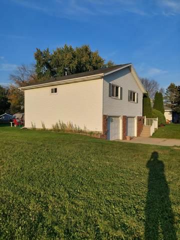 1210 Oak St, Watertown, WI 53098 (#1767460) :: EXIT Realty XL