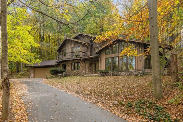 4380 County Road Y, Saukville, WI 53080 (#1768025) :: Tom Didier Real Estate Team