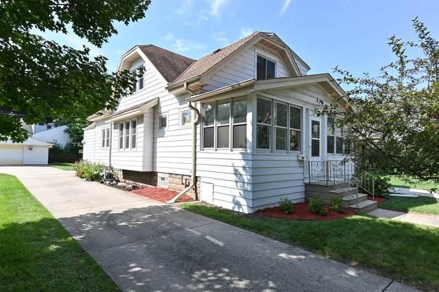 7823 Eagle St, Wauwatosa, WI 53213 (#1769053) :: Ben Bartolazzi Real Estate Inc