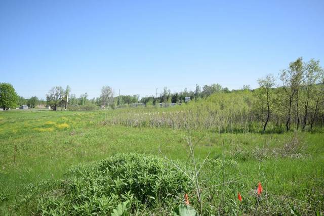 4262 N Woodcrest Ridge Dr (Lot 2), West Bend, WI 53095 (#1378670) :: Tom Didier Real Estate Team