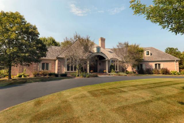 11417 N Canterbury Dr, Mequon, WI 53092 (#1532187) :: Vesta Real Estate Advisors LLC