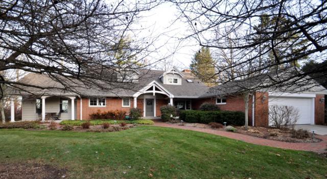 10130 N Sheridan Dr, Mequon, WI 53092 (#1542185) :: Vesta Real Estate Advisors LLC