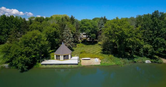 3827 W Le Grande Blvd, Mequon, WI 53092 (#1542582) :: Vesta Real Estate Advisors LLC