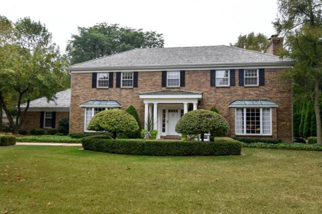 249 W Thornapple Ln, Mequon, WI 53092 (#1551402) :: Vesta Real Estate Advisors LLC