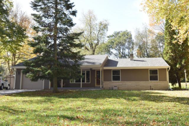 10437 N O'connell Ln, Mequon, WI 53097 (#1555408) :: Tom Didier Real Estate Team