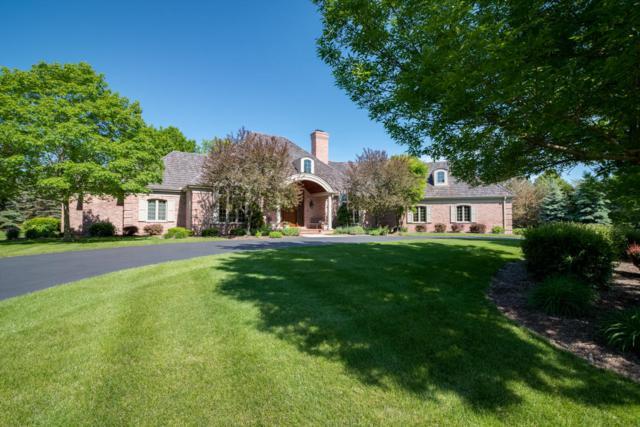 11417 N Canterbury Dr, Mequon, WI 53092 (#1566450) :: Vesta Real Estate Advisors LLC