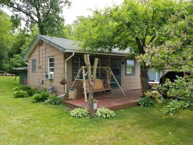 274 Sandy Beach Rd, Lake Mills, WI 53551 (#1567823) :: RE/MAX Service First Service First Pros