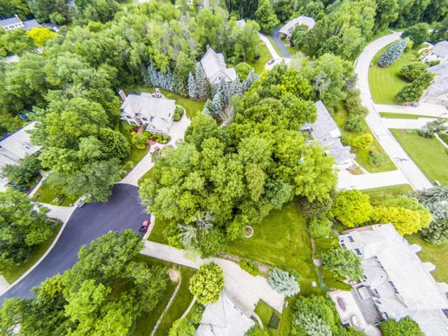 2520 Keats Ct, Brookfield, WI 53045 (#1573638) :: Vesta Real Estate Advisors LLC