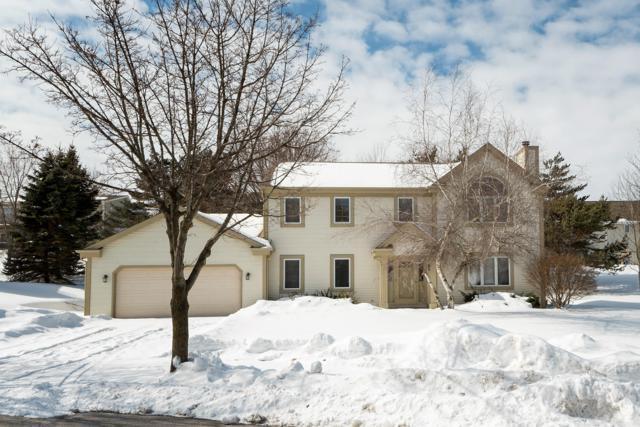 1883 Arapaho Ct, Grafton, WI 53024 (#1579148) :: Tom Didier Real Estate Team