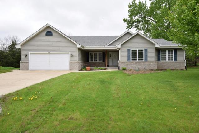 3000 Natures Bend, Dover, WI 53139 (#1582815) :: Vesta Real Estate Advisors LLC