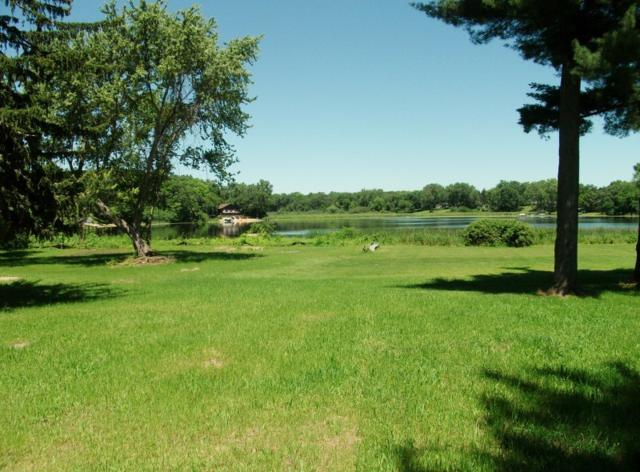 W137 Lakeside Dr, Bloomfield, WI 53128 (#1593550) :: RE/MAX Service First Service First Pros