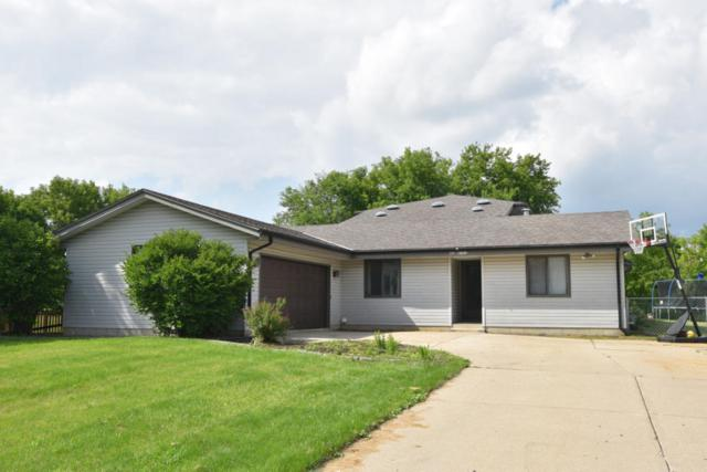 N62W23712 Sunset Dr, Sussex, WI 53089 (#1600584) :: Vesta Real Estate Advisors LLC