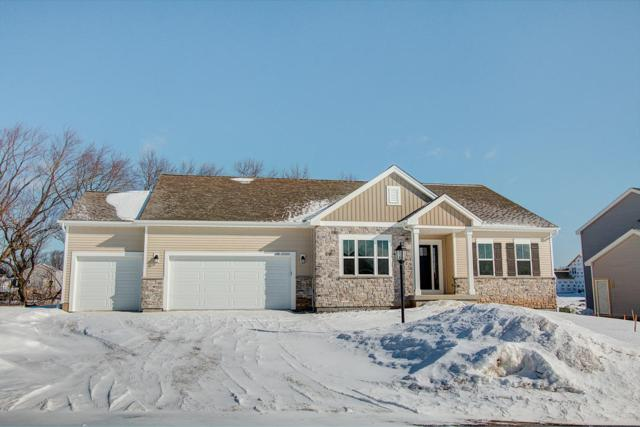 N48W15452 Aster Ct, Menomonee Falls, WI 53051 (#1604264) :: RE/MAX Service First Service First Pros