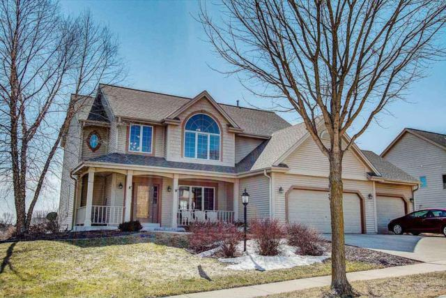 2703 River Ridge Dr, Waukesha, WI 53189 (#1626737) :: RE/MAX Service First Service First Pros