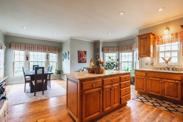 2270 Vincent Dr, Brookfield, WI 53045 (#1643204) :: eXp Realty LLC