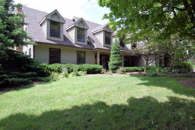 1355 Barrington Woods Dr, Brookfield, WI 53045 (#1649341) :: eXp Realty LLC