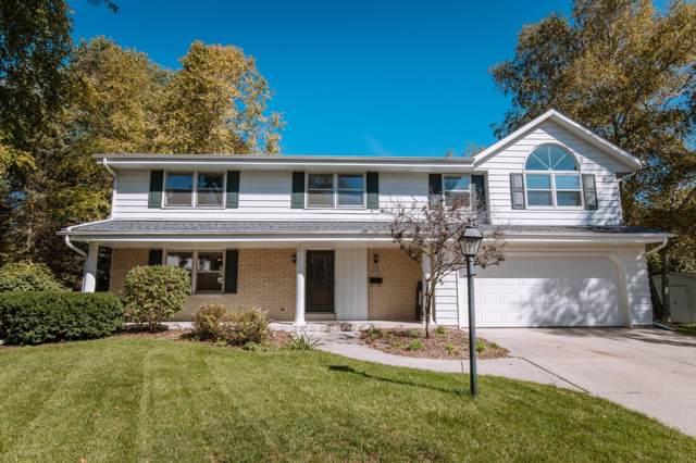 W53N756 Eton Ct, Cedarburg, WI 53012 (#1663013) :: Tom Didier Real Estate Team