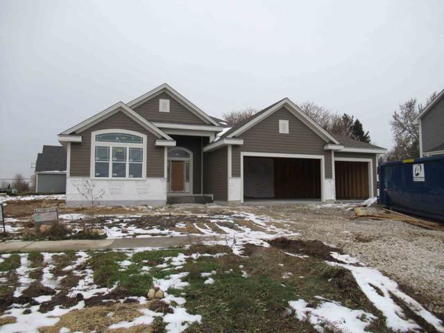 W239N5503 Fieldstone Pass Cir, Sussex, WI 53089 (#1663939) :: Keller Williams Realty - Milwaukee Southwest