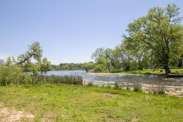 27519 95th St, Salem Lakes, WI 53168 (#1667576) :: OneTrust Real Estate