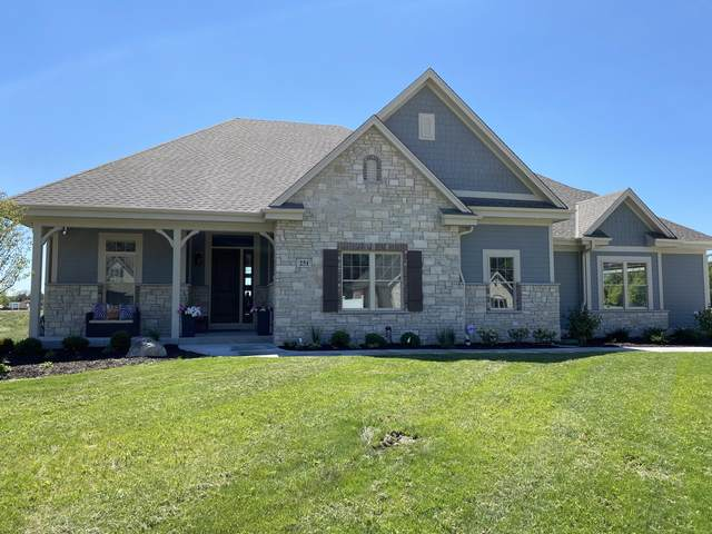251 Four Winds Ct, Hartland, WI 53029 (#1670359) :: NextHome Prime Real Estate