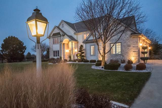 W292N3402 Summerhill Rd, Delafield, WI 53072 (#1676314) :: RE/MAX Service First Service First Pros