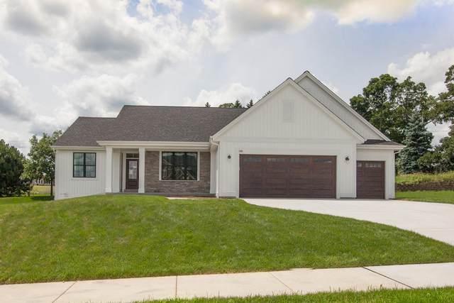 725 Stoecker Farm Ave, Mukwonago, WI 53149 (#1681042) :: OneTrust Real Estate