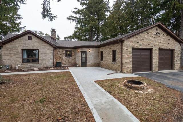 4050 S Calhoun Rd, New Berlin, WI 53151 (#1683186) :: RE/MAX Service First Service First Pros