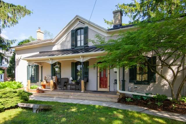 W61N439 Washington Ave, Cedarburg, WI 53012 (#1690453) :: Tom Didier Real Estate Team