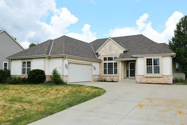 614 Stoecker Farm Ave, Mukwonago, WI 53149 (#1695205) :: RE/MAX Service First Service First Pros
