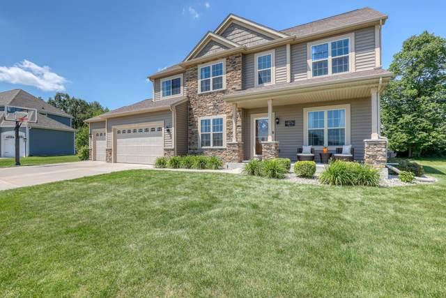 N45W22932 Charlotte Way, Pewaukee, WI 53072 (#1699604) :: OneTrust Real Estate