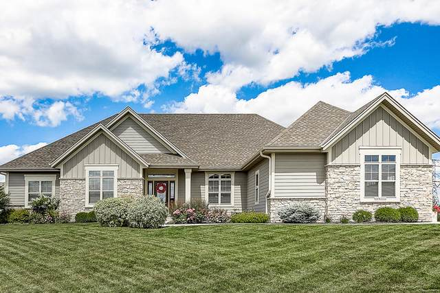 N56W19752 Powell Dr, Menomonee Falls, WI 53051 (#1701723) :: RE/MAX Service First Service First Pros