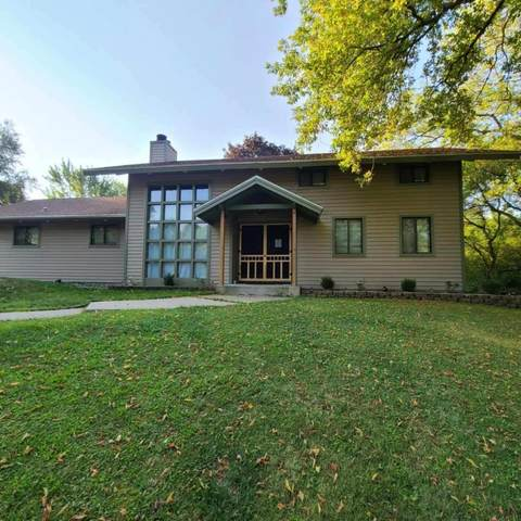 229 Llamberris Pass, Wales, WI 53183 (#1702616) :: Tom Didier Real Estate Team