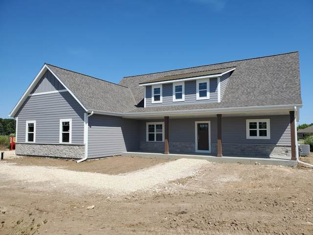 4698 Partridge Cir, Richfield, WI 53017 (#1703466) :: Tom Didier Real Estate Team