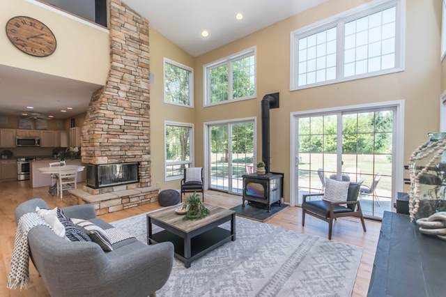 N43W23200 Beaver Ct, Pewaukee, WI 53072 (#1705720) :: RE/MAX Service First