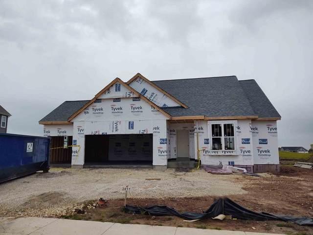 2057 E Teton Trl, Grafton, WI 53024 (#1706915) :: Tom Didier Real Estate Team