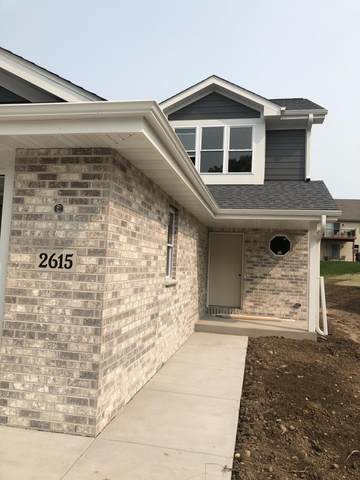 2615 Salisbury Rd, West Bend, WI 53090 (#1708939) :: Tom Didier Real Estate Team