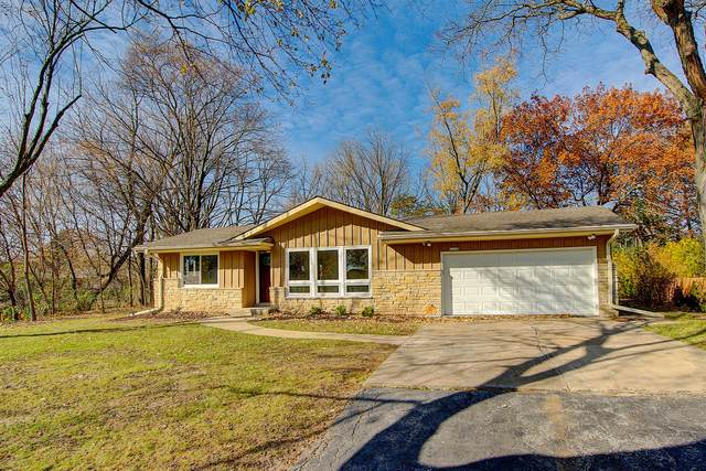 12120 W Liberty Ct, Hales Corners, WI 53130 (#1717646) :: RE/MAX Service First