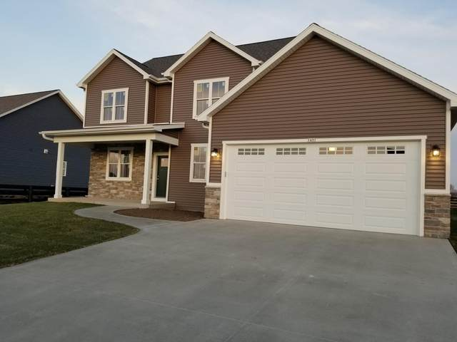 1491 Rosewood Pass, Oconomowoc, WI 53066 (#1717793) :: RE/MAX Service First