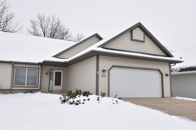 W208N16520 Glen Hill Dr, Jackson, WI 53037 (#1723391) :: RE/MAX Service First